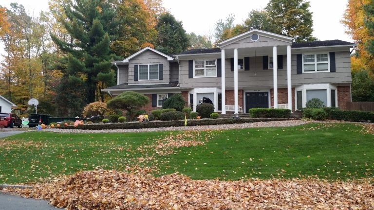 Fall Clean-Up by Crystal Clean Landscaping & Lawncare